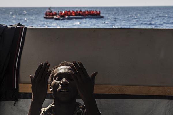 Dignity, rescate en el Mediterraneo