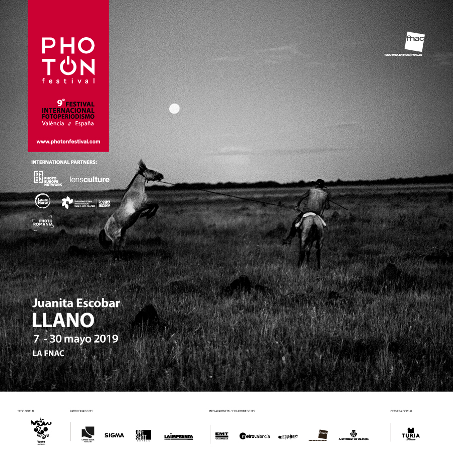 FLYER-EXPO-LLANO-JUANITA-ESCOBAR-PHOTON-FESTIVAL-2019